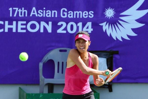 仁川亞運女子網球團體金牌戰,台灣選手謝淑薇第二點出戰中國未能搶勝。(記者王藝菘攝)