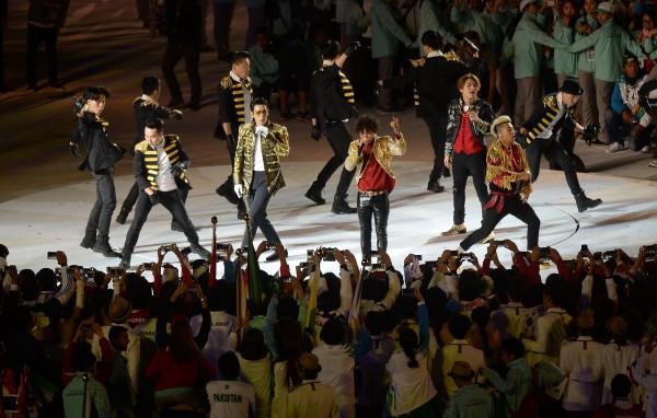 韓國天團BIGBANG擔任壓軸,把典禮帶入另一波高潮,他們表演結束後,閉幕典禮也畫下句點。(記者林正堃攝)