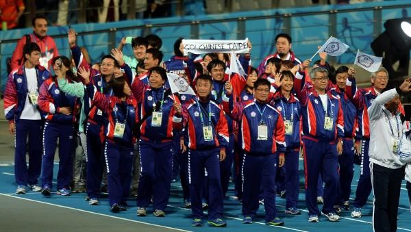 台灣代表隊入場。(記者林正堃攝)