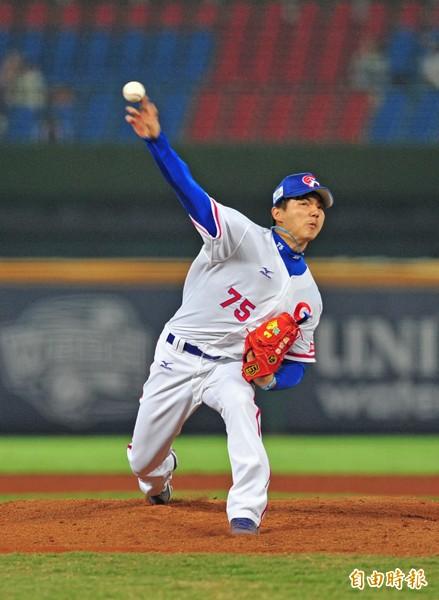 郭俊麟先發7局,僅挨5安失1分,成為抗韓英雄。(記者廖耀東攝)