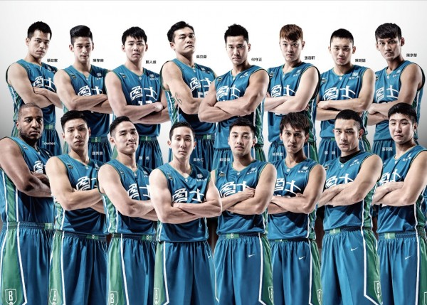台灣大更名為富邦勇士,從球隊標誌到球衣全部換新,本季目標總冠軍。(記者張正邦攝)