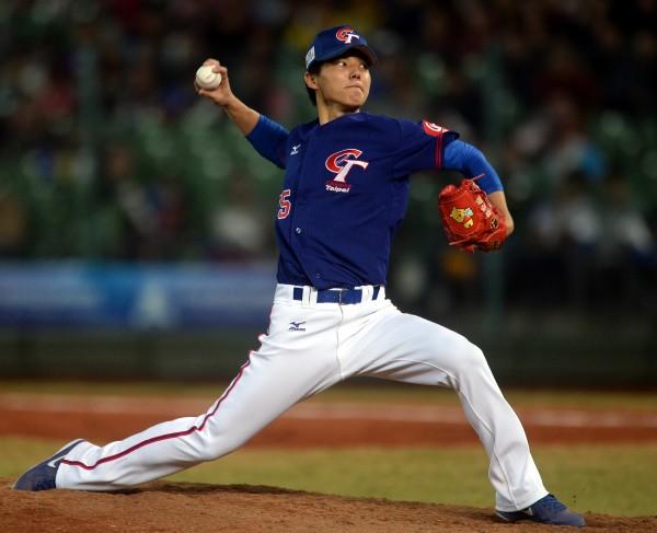 台灣隊先發投手郭俊麟,主投7局沒有失分,飆出6次三振。(記者林正堃攝)