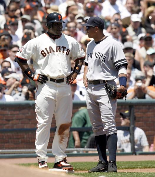 A-Rod(右)備戰新球季,找邦茲討教打擊。(歐新社)