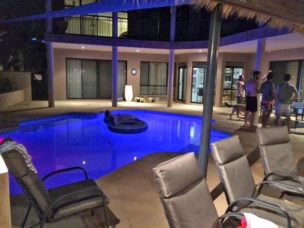 林晨樺的澳洲隊友家裡超豪華,還有海水游泳池。 (圖:林晨樺提供)