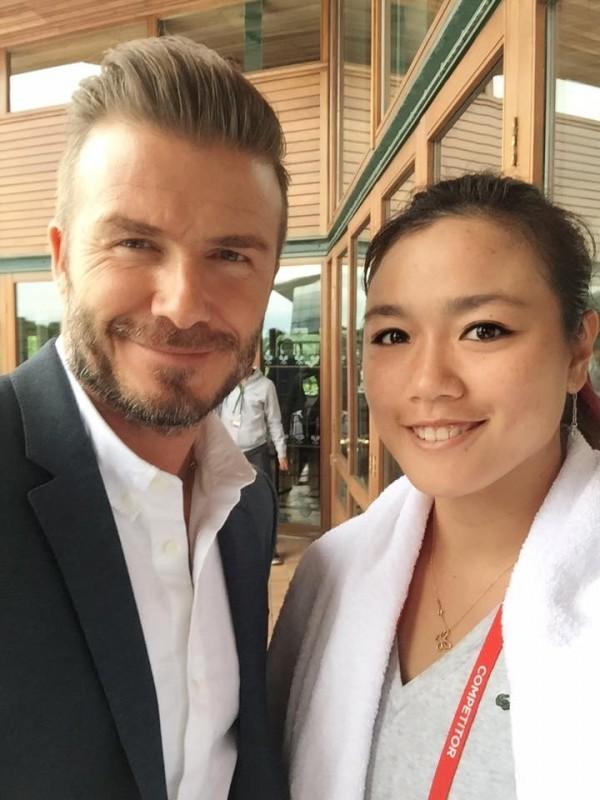網球選手詹詠然遇見足球明星貝克漢也瞬間變成小粉絲合照。(圖擷取自詹詠然~Yung-Jan Chan臉書)