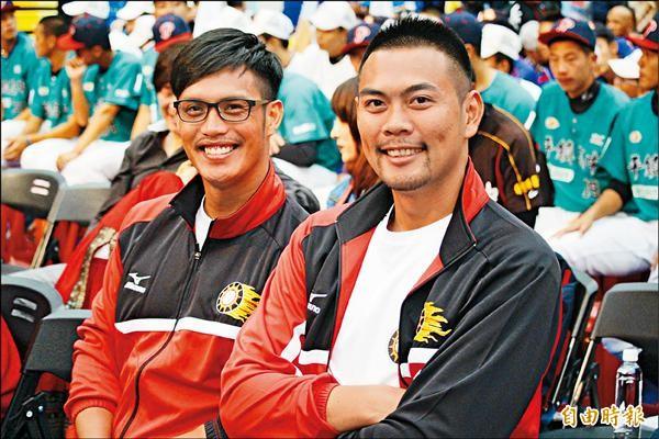 陽耀勳(左)和羅錦龍出席關懷盃開幕大會。(記者羅志朋攝)