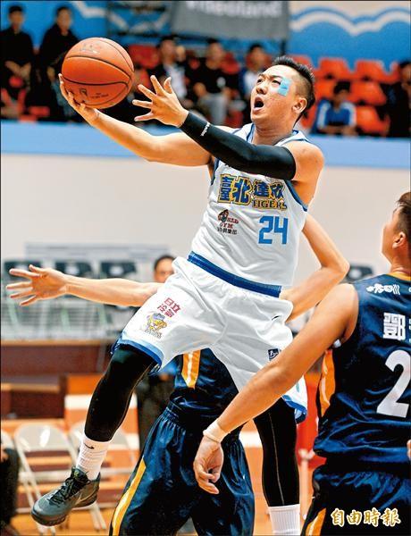 達欣林冠綸繳出22分、4籃板與5抄截,助隊取得本季首勝。(記者林正堃攝)