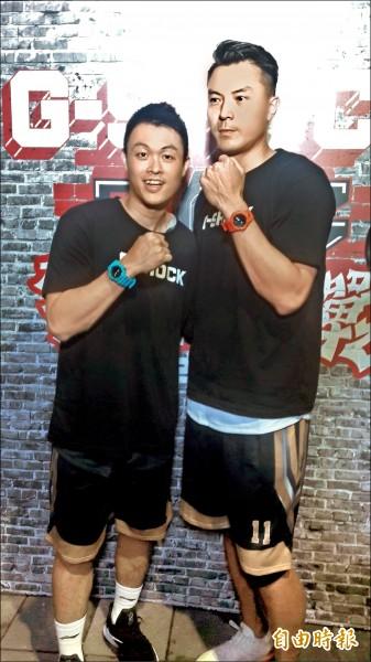 陳信安(右)、李學林(左)出席三對三籃球活動。(記者粘藐云攝)