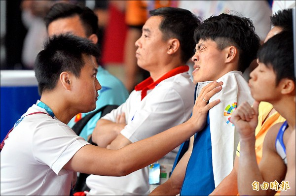 陳智郁忍著傷勢惡化的劇痛,在雅加達贏得生涯第二面亞運銅牌。 (資料照,記者林正堃攝)