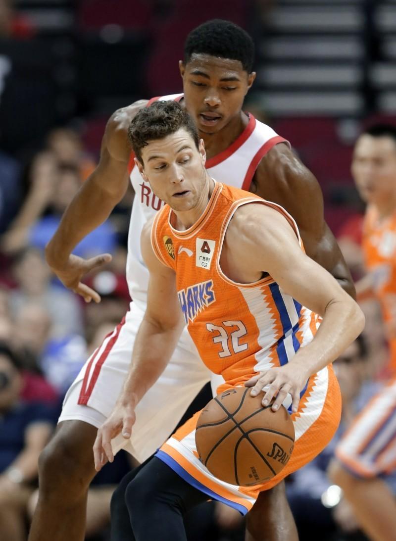 NBA》兩年合約加盟太陽 「寂寞大神」 重返一級賽場