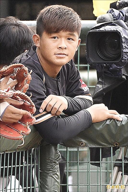 桃猿隊若採用洋砲政策,現任長中繼菜鳥江國謙也有機會角逐先發位置。(記者陳志曲攝)