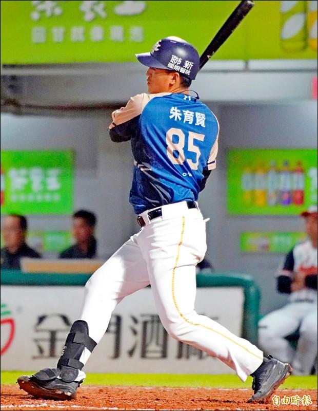 打擊4冠王朱育賢今年打出生涯年,是猿奪冠利器。(記者黃志源攝)