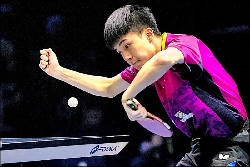 17歲合庫小將林昀儒昨晚在T2鑽石聯賽馬來西亞站男單決賽,以4比1擊退世界排名第3的中國名將樊振東,爆冷奪冠。(取自國際桌總官網)