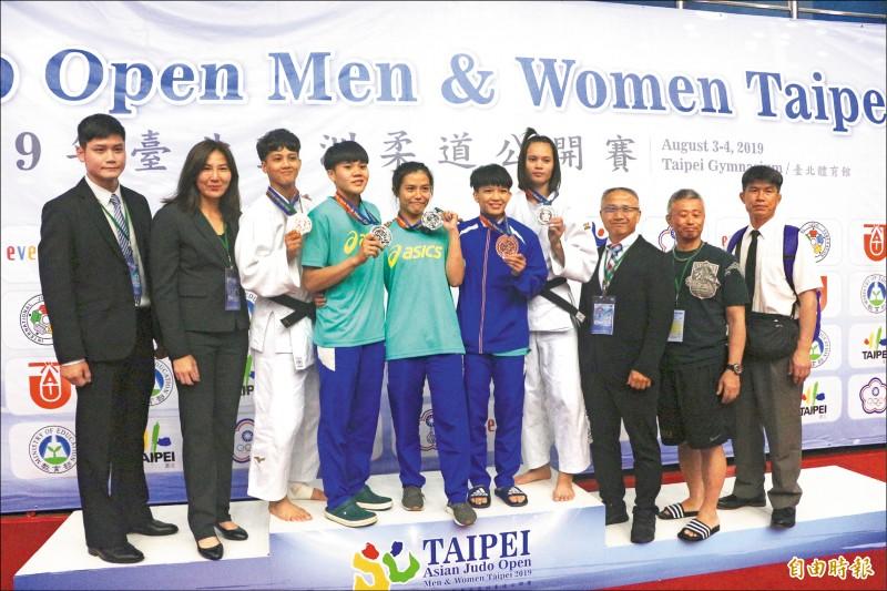 台灣女子柔道隊斬獲3銀2銅好成績。(記者粘藐云攝)