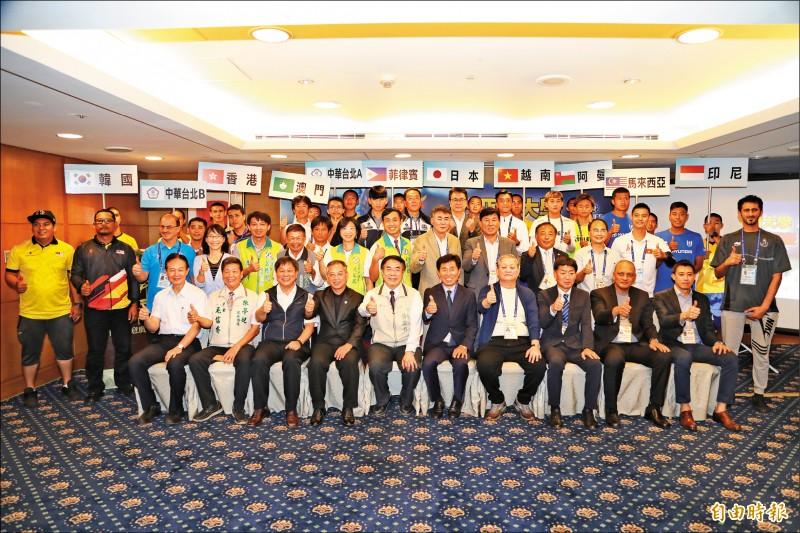 「2019亞洲大學足球錦標賽」將於9月18日至26日在台南開踢。(記者劉婉君攝)