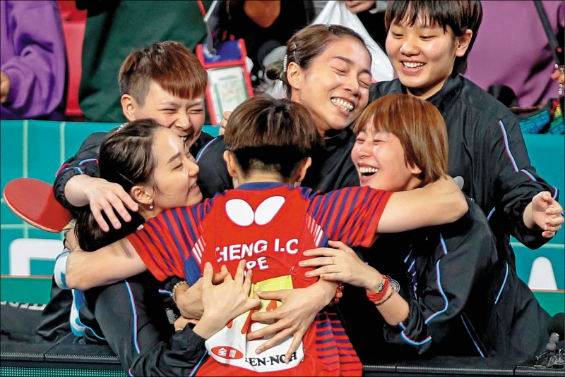 台灣男、女隊昨天在2019年團體世界杯桌球賽,締造兩隊首度同時闖進4強的空前紀錄。(歐新社)