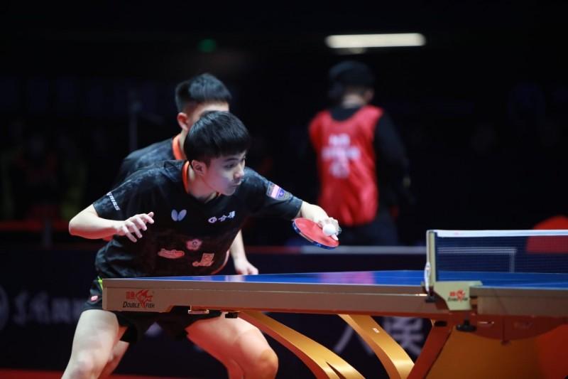 """乒乓球年終賽""""平世界排名第一的韓國組合林郁/廖振緒率先闖入四強"""