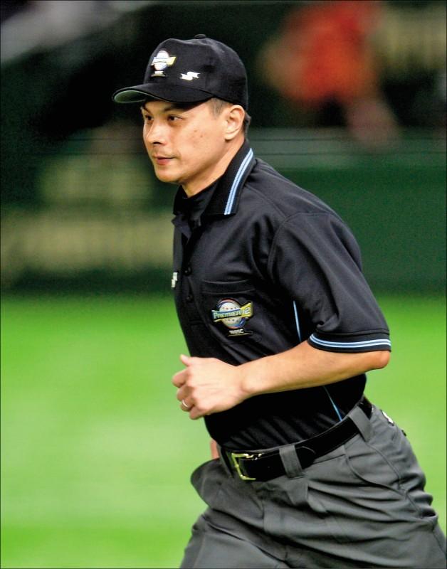 在中職執教16季的副裁判長紀華文,獲選東京奧運棒球裁判組一員。(資料照)