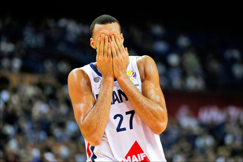 NBA瞬間黑屏 災損150億元起跳