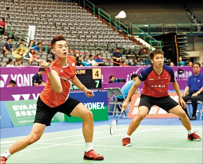 李洋(右)/王齊麟在去年合拍後,可望叩關明年東京奧運。(資料照)