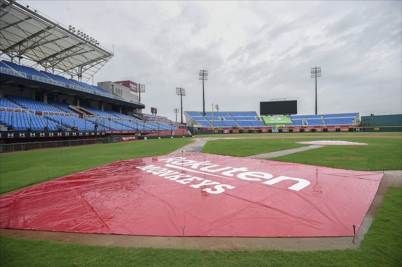 受到梅雨鋒面影響,中職上週出現7場延賽。(資料照)