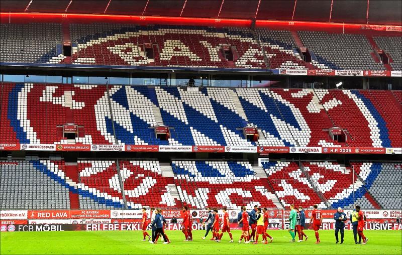 德甲勁旅拜仁慕尼黑陷入財務危機,球員本季薪水將大砍20%。(法新社)
