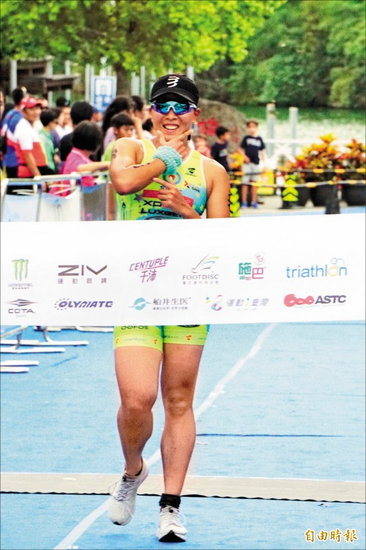 張嘉家拿下梅花湖鐵人錦標賽第5座桂冠。(記者廖聿偉攝)