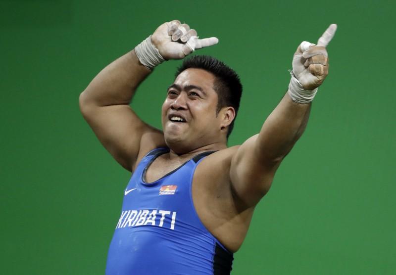 奧運》吉里巴斯舉重選手爆笑熱舞 背後原因很偉大