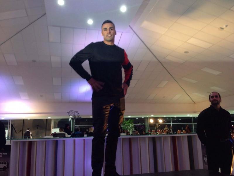 奧運》東加爆紅掌旗官 紐西蘭時裝秀又脫衣登場