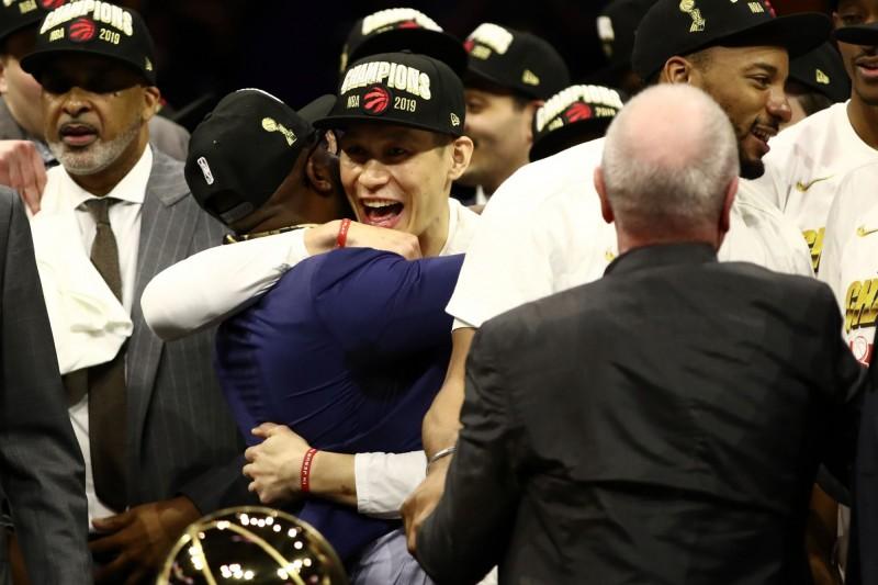 NBA》德羅森對多倫多的影響力 林書豪來到暴龍親身感受