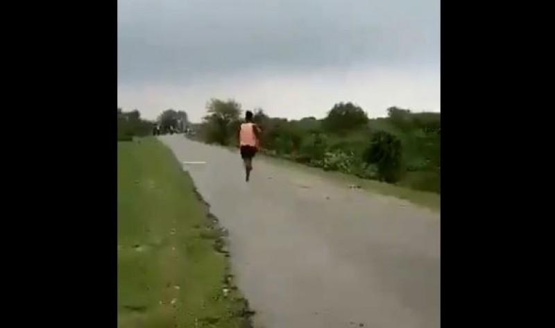 田徑》奇!印度19歲少年沒穿鞋100公尺跑11秒 「可破博爾特紀錄」