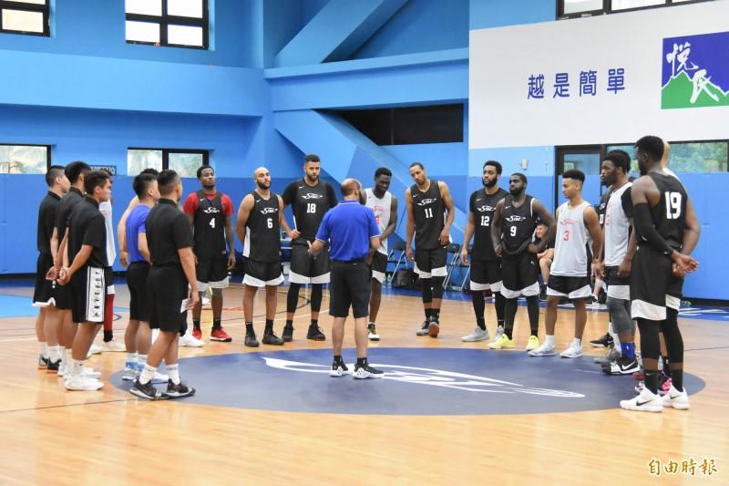 SBL》17名洋將來台討生活 台灣男籃主帥帕克推薦5人