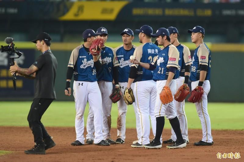 台灣大賽》「每一場都是第一場」 猿隊聽牌仍步步為營