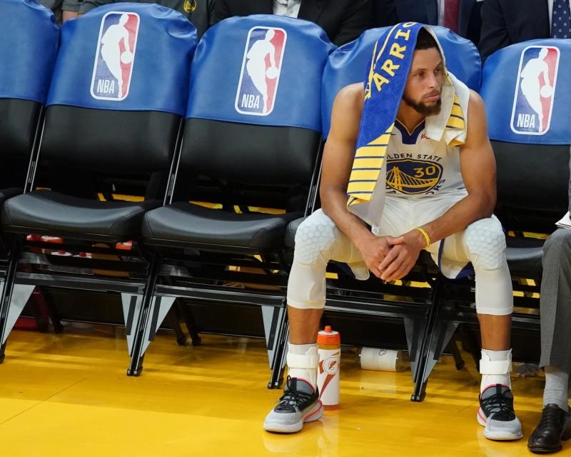 NBA》勇士王朝崩解戰績墊底 一球員:大家都等著打爆他們