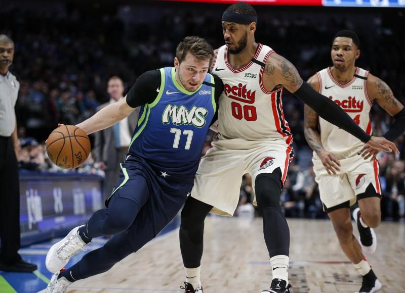 NBA》東契奇生涯新高8顆三分球 獨行俠主場退拓荒者(影音)