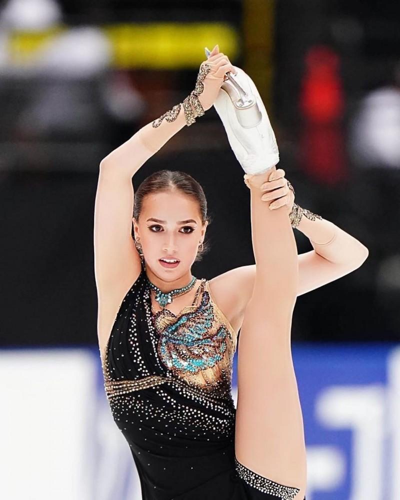 滑冰》逆天長腿俄國美少女復出 榮膺IOC時尚偶像大受激勵