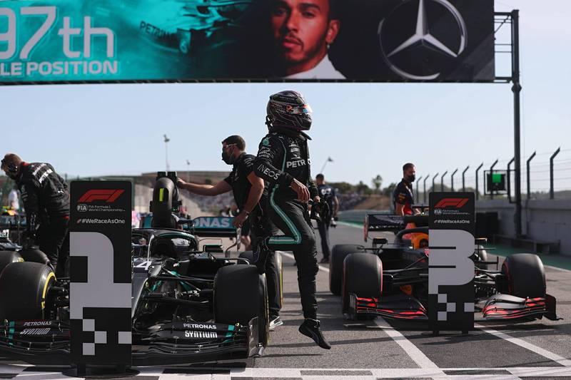F1》最後一刻殺出程咬金  漢米爾頓擊退隊友奪生涯第97桿位