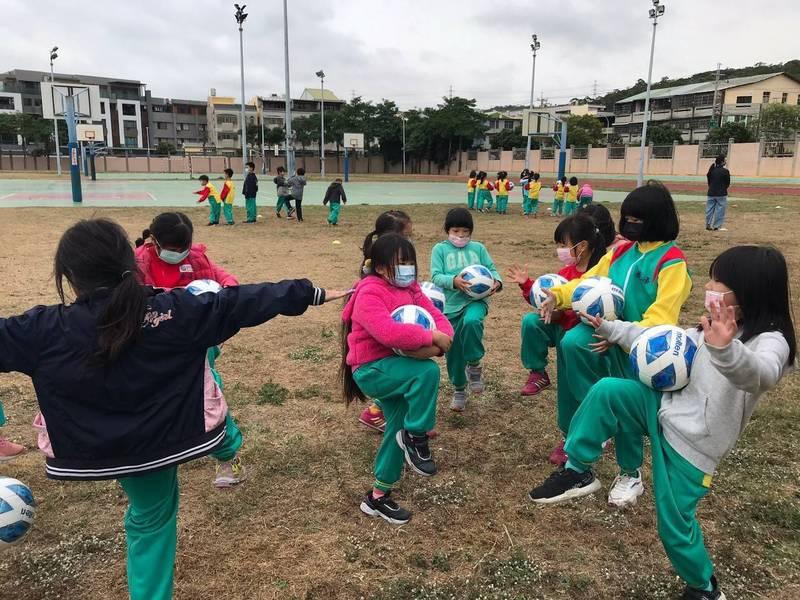 足球》台中市結合社區足球聯盟 期許打造兒童足球城市