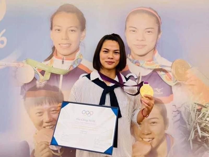 舉重》敦奧金牌終於到手 我國首位奧運雙金得主許淑淨發文致謝