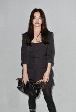 米蘭時裝週》宋慧喬脫襯裙秀「黑絲襪」!BV 看秀驚見史上最瘦