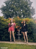 Jessica與Krystal同框比美!封面辣曬「11字長腿」美翻了