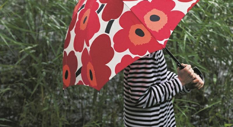 雨天找樂子!傘內傘外都是城市時髦風情