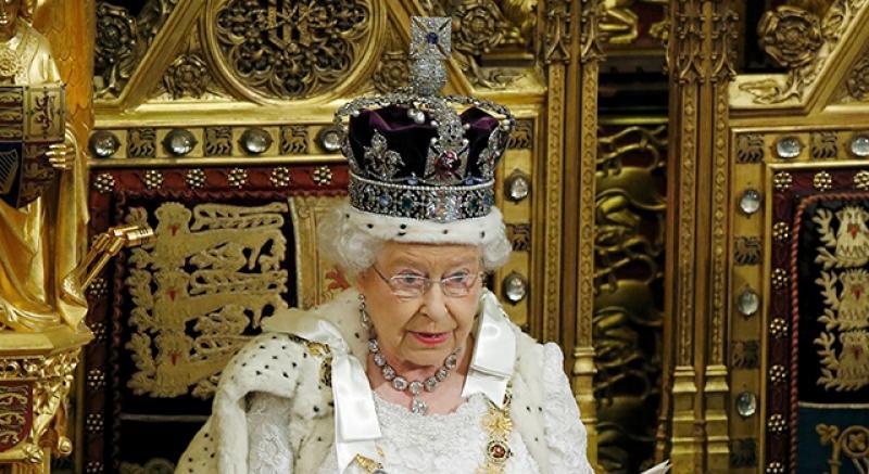 「欲戴王冠,必承其重」 5個女王皇冠的秘密