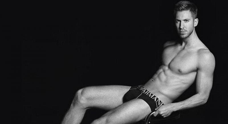 泰勒絲男友Calvin Harris 裸身大露ARMANI內著