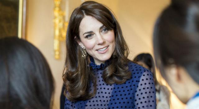 凱特王妃穿衣尺度大突破!胸前透視洋裝裡頭竟藏了...