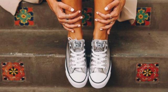 鞋子進水悶出恐怖異味?聰明省錢妙招有效快乾、徹底除臭!