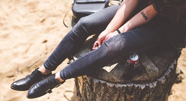 悶熱夏天鞋子頻發出異味?5個小秘訣徹底消除異味又防霉!