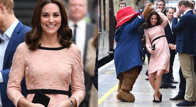 凱特王妃挺孕肚和小熊慢舞!蜜桃粉色洋裝襯托孕期好氣色