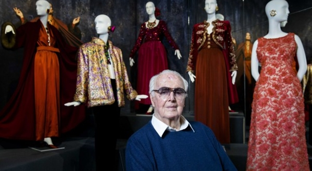 美國已故前第一夫人指定他設計「服喪套裝」!關於紀梵希5個經典故事