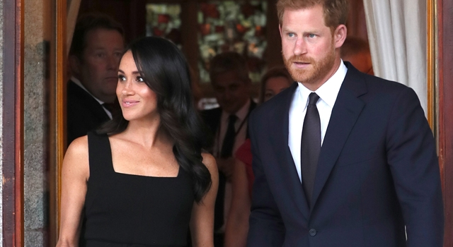 新王妃梅根再穿「她」的洋裝!英國設計師遭打臉:還敢做皇室生意?